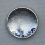 """Brosche """"Dorf"""": Silber, Fensteremaille --- 360,-€"""