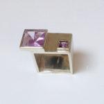 "Ring ""Bauhaus"": Silber, 2 Amethyste, Weite ca. 53 --- 430,- €"